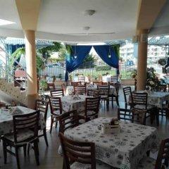 Отель The Ship Hotel Болгария, Равда - отзывы, цены и фото номеров - забронировать отель The Ship Hotel онлайн питание фото 3