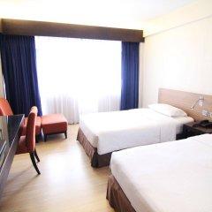 Отель Residence Rajtaevee Бангкок комната для гостей фото 3