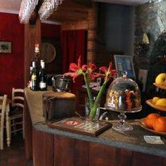 Отель Comme Chez Soi Сен-Кристоф гостиничный бар
