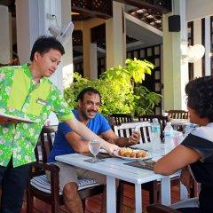 Отель Days Inn by Wyndham Patong Beach Phuket Таиланд, Карон-Бич - 1 отзыв об отеле, цены и фото номеров - забронировать отель Days Inn by Wyndham Patong Beach Phuket онлайн питание