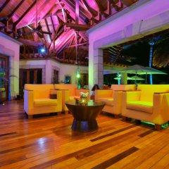 Отель Maradiva Villas Resort and Spa гостиничный бар