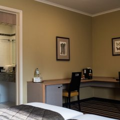 Отель Hyllit Hotel Бельгия, Антверпен - 1 отзыв об отеле, цены и фото номеров - забронировать отель Hyllit Hotel онлайн удобства в номере фото 2