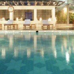 Отель Jaypee Vasant Continental Индия, Нью-Дели - отзывы, цены и фото номеров - забронировать отель Jaypee Vasant Continental онлайн бассейн фото 2