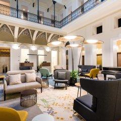 Hotel Moments Budapest интерьер отеля
