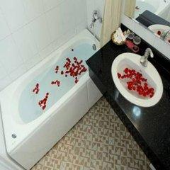 Отель Camellia 5 Hotel Вьетнам, Ханой - отзывы, цены и фото номеров - забронировать отель Camellia 5 Hotel онлайн ванная