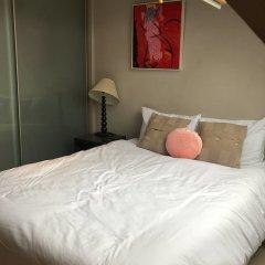 Апартаменты Beaufort Gardens Apartment Лондон комната для гостей фото 4