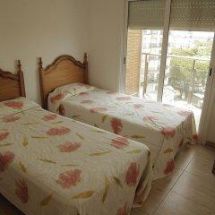 Отель Apartamentos Villa de Madrid Испания, Бланес - отзывы, цены и фото номеров - забронировать отель Apartamentos Villa de Madrid онлайн комната для гостей фото 3
