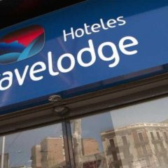 Отель Travelodge Madrid Alcalá банкомат