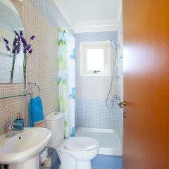 Отель Villa Crystal Sea Кипр, Протарас - отзывы, цены и фото номеров - забронировать отель Villa Crystal Sea онлайн ванная