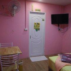 Отель Pa Chalermchai Guesthouse комната для гостей фото 3