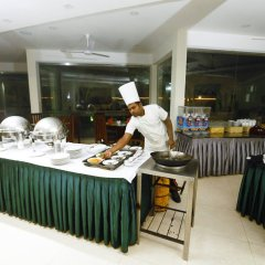 Hikkaduwa Beach Hotel питание фото 2