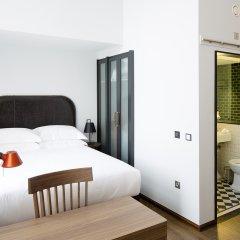 Отель The Edinburgh Grand Эдинбург сейф в номере