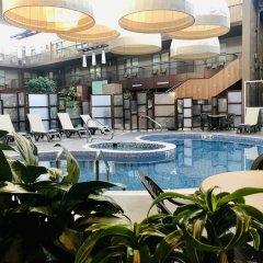Отель Delta Hotels by Marriott Calgary South Канада, Калгари - отзывы, цены и фото номеров - забронировать отель Delta Hotels by Marriott Calgary South онлайн бассейн