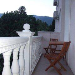 Гостиница Мини-Отель Анна в Ялте 9 отзывов об отеле, цены и фото номеров - забронировать гостиницу Мини-Отель Анна онлайн Ялта балкон