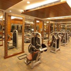 Отель The LaLiT Mumbai фитнесс-зал
