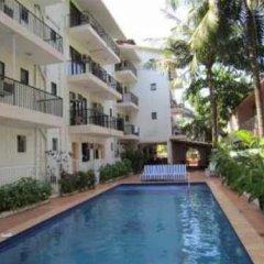 West View Hotel бассейн