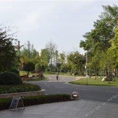 Chongzhou Zhongsheng Hotel парковка