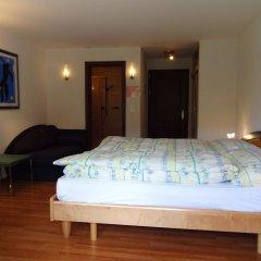 Отель Artist-Apartments & Hotel Garni Швейцария, Церматт - отзывы, цены и фото номеров - забронировать отель Artist-Apartments & Hotel Garni онлайн сейф в номере
