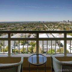 Отель InterContinental Los Angeles Century City at Beverly Hills США, Лос-Анджелес - отзывы, цены и фото номеров - забронировать отель InterContinental Los Angeles Century City at Beverly Hills онлайн балкон
