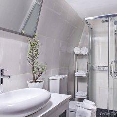 Отель Cosmopolitan Suites Греция, Остров Санторини - отзывы, цены и фото номеров - забронировать отель Cosmopolitan Suites онлайн ванная