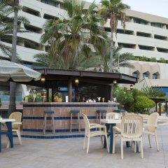 Отель Occidental Sharjah Grand ОАЭ, Шарджа - 8 отзывов об отеле, цены и фото номеров - забронировать отель Occidental Sharjah Grand онлайн бассейн фото 3