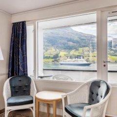 Отель Olden Fjordhotel удобства в номере