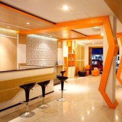 Chill Patong Hotel интерьер отеля