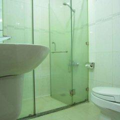 Отель Hoang Hotel Вьетнам, Хошимин - отзывы, цены и фото номеров - забронировать отель Hoang Hotel онлайн ванная