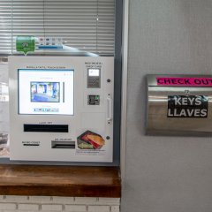 Отель Palm Beach Club банкомат