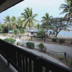 Отель Anchorage Beach Resort Фиджи, Вити-Леву - отзывы, цены и фото номеров - забронировать отель Anchorage Beach Resort онлайн балкон