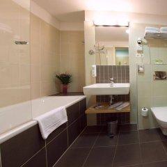 Iris Hotel Eden Прага ванная