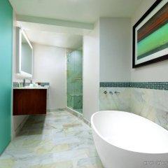 Отель The Westin Bonaventure Hotel & Suites США, Лос-Анджелес - отзывы, цены и фото номеров - забронировать отель The Westin Bonaventure Hotel & Suites онлайн ванная фото 2