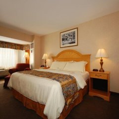 Отель Red Lion Hotel Arlington Rosslyn Iwo Jima США, Арлингтон - отзывы, цены и фото номеров - забронировать отель Red Lion Hotel Arlington Rosslyn Iwo Jima онлайн комната для гостей фото 2