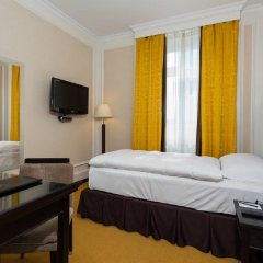 Euler Hotel Basel сейф в номере