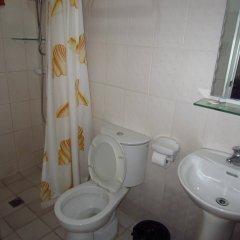 Отель Cebu Residencia Lourdes Филиппины, Лапу-Лапу - отзывы, цены и фото номеров - забронировать отель Cebu Residencia Lourdes онлайн ванная