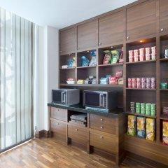 Отель Hilton Garden Inn Dubai Al Muraqabat Дубай развлечения