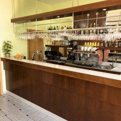 Отель Vitkova Hora Чехия, Карловы Вары - 1 отзыв об отеле, цены и фото номеров - забронировать отель Vitkova Hora онлайн гостиничный бар