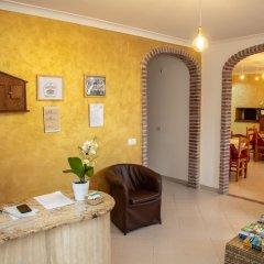 Отель Haidi House Bed and Breakfast Аджерола интерьер отеля фото 3