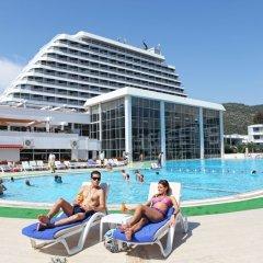 Surmeli Efes Hotel бассейн