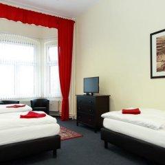 Отель Berliner City Pension Uhlandstrasse Берлин комната для гостей фото 2