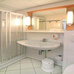 Отель Ibis Dresden Königstein Германия, Дрезден - 8 отзывов об отеле, цены и фото номеров - забронировать отель Ibis Dresden Königstein онлайн ванная фото 2