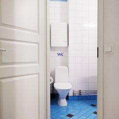 Отель Kotimaailma Helsinki Hämeentie 6 Финляндия, Хельсинки - отзывы, цены и фото номеров - забронировать отель Kotimaailma Helsinki Hämeentie 6 онлайн ванная