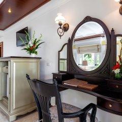 Отель Thavorn Beach Village Resort & Spa Phuket удобства в номере