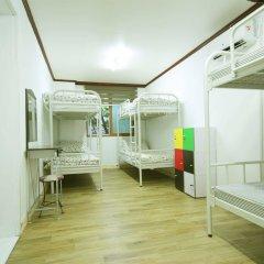 Отель Itaewon Backpackers комната для гостей фото 3