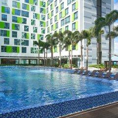 Holiday Inn Hotel And Suites Saigon Airport бассейн