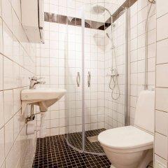 Отель ApartDirect Gamla Stan II Стокгольм ванная фото 2