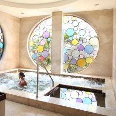 Отель The Seminyak Beach Resort & Spa бассейн