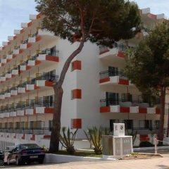 Cala Ferrera Hotel парковка