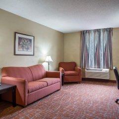 Отель Quality Inn And Suites Monroe комната для гостей фото 4