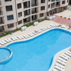 Апартаменты One Bedroom Apartment with Large Balcony бассейн
